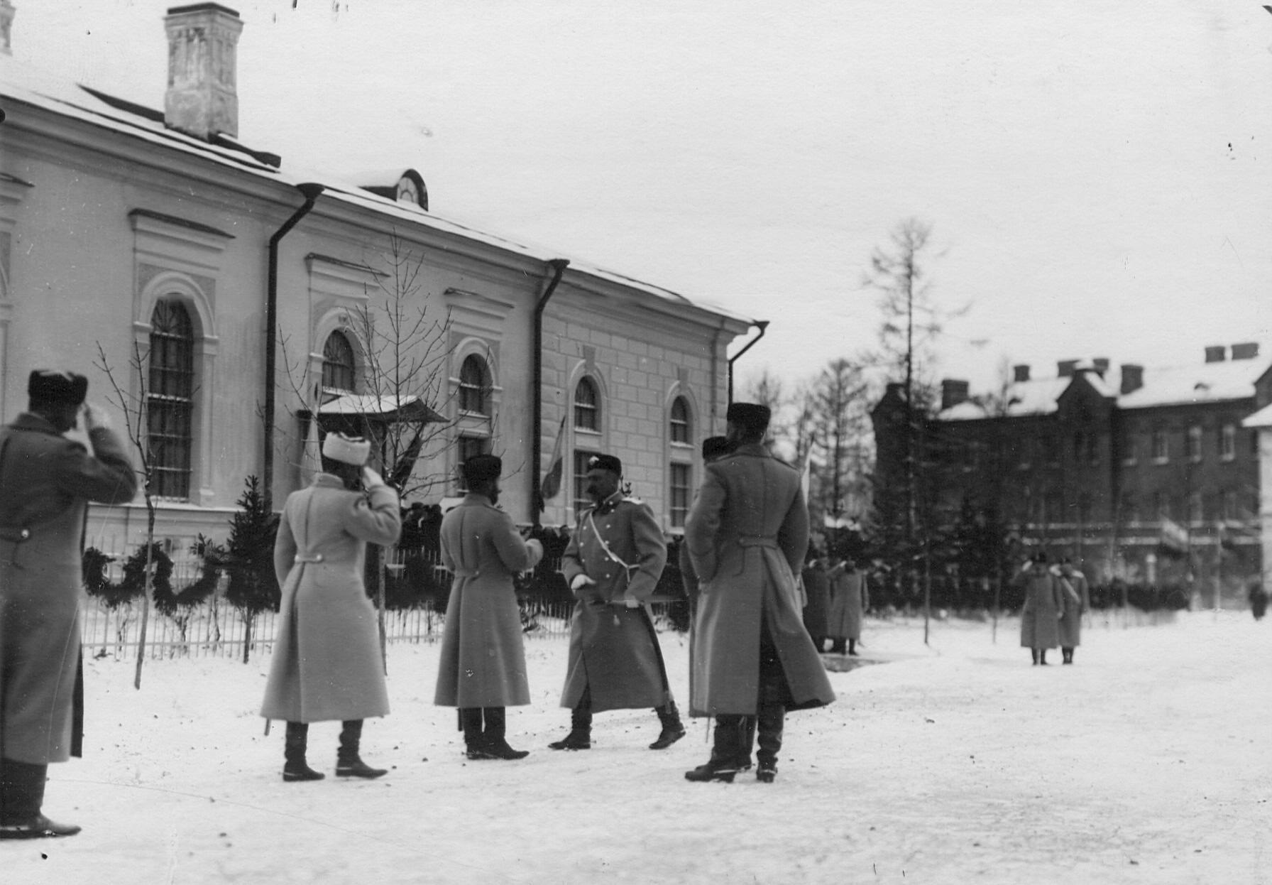 Встреча императора Николая II командиром  2-го стрелкового Царскосельского батальона. До 1909
