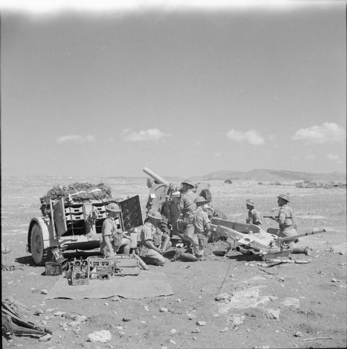 British Army in Cyprus 1941  18/25-pdr field gun in action during artillery exercises in Cyprus, 23 September 1941.