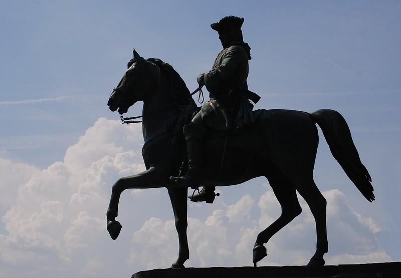 Equestrian Half Shadowed Nr. 2