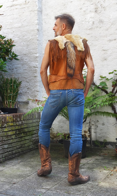 jeans and boots 07161