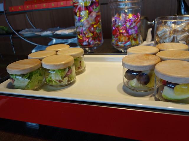 行政酒廊的蔬果罐與水果罐@高雄H2O水京棧國際酒店