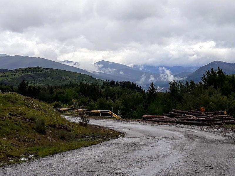 Drumul din Valea Doftanei spre Secaria