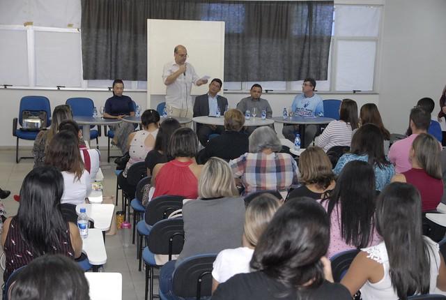 17.09.18 Workshop capacita servidores para atendimento aos autistas residentes em Manaus .