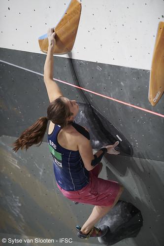 ifscwch-innsbruck-boulderfinals-women-friday-036-D85_3197
