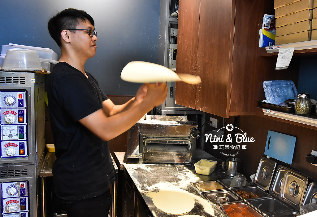一中街美食 pizza running06