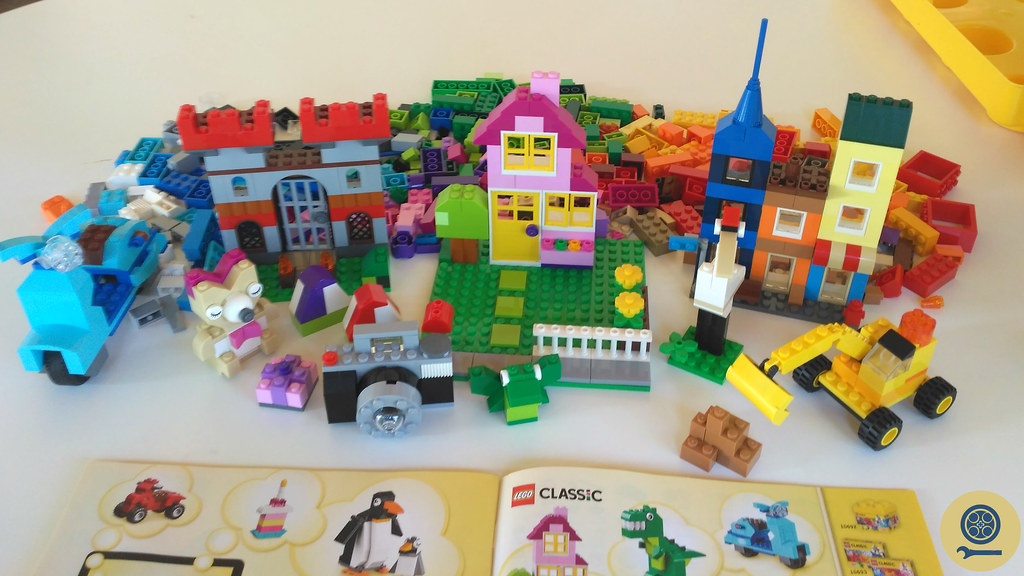 10698 LEGO Large Creative Brick Box (1)