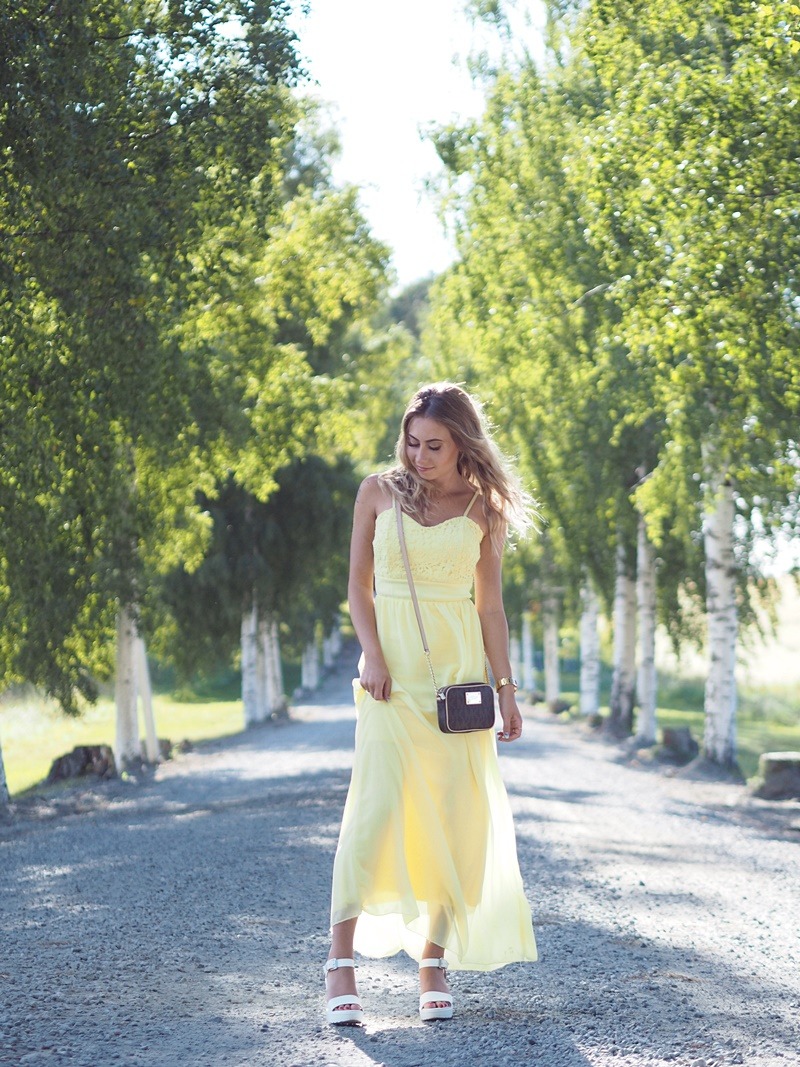 yellow maxidress