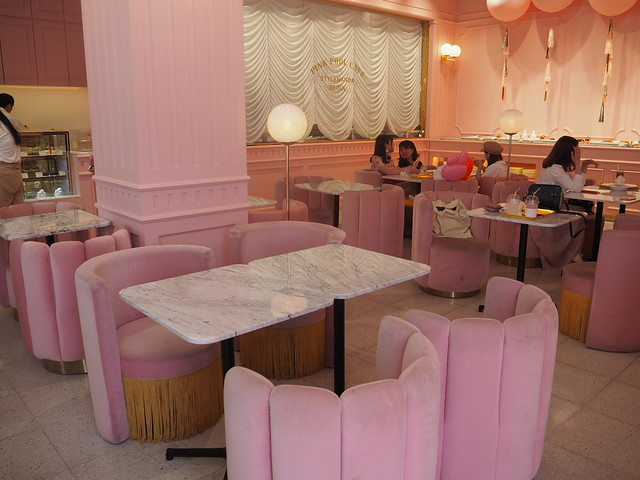 P6168313 STYLENANDA(スタイルナンダ) pink pool cafe(ピンクプールカフェ) 핑크풀카페 弘大 ソウルカフェ ひめごと