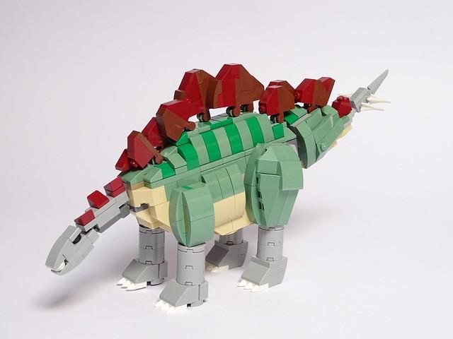 LEGO Stegosaurus v1.1, Sony DSC-HX400V, Sony 24-210mm F2.8-6.3