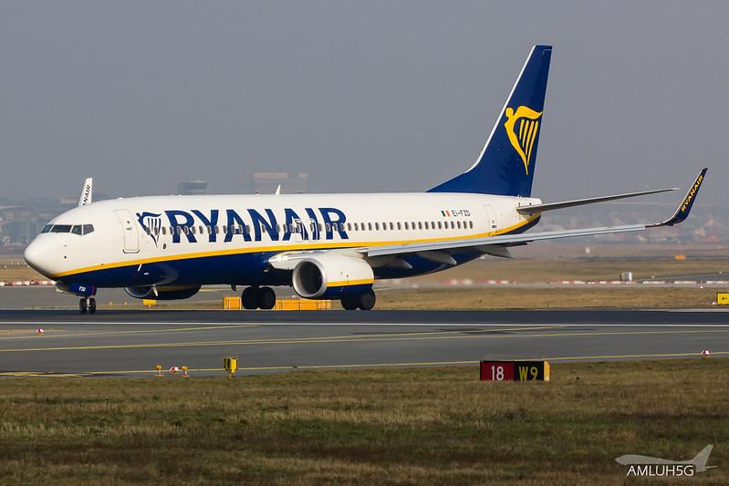 Ryanair - B738 - EI-FZD (2)