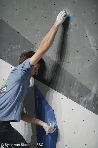 ifscwch-innsbruck-boulderfinal-men-020-D85_4788