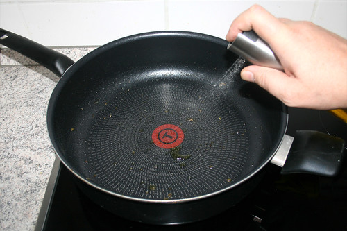 39 - Öl in Pfanne erhitzen / Heat up oil in pan