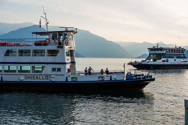 Lake Como Ferry, Fujifilm X-T20, XF35mmF2 R WR