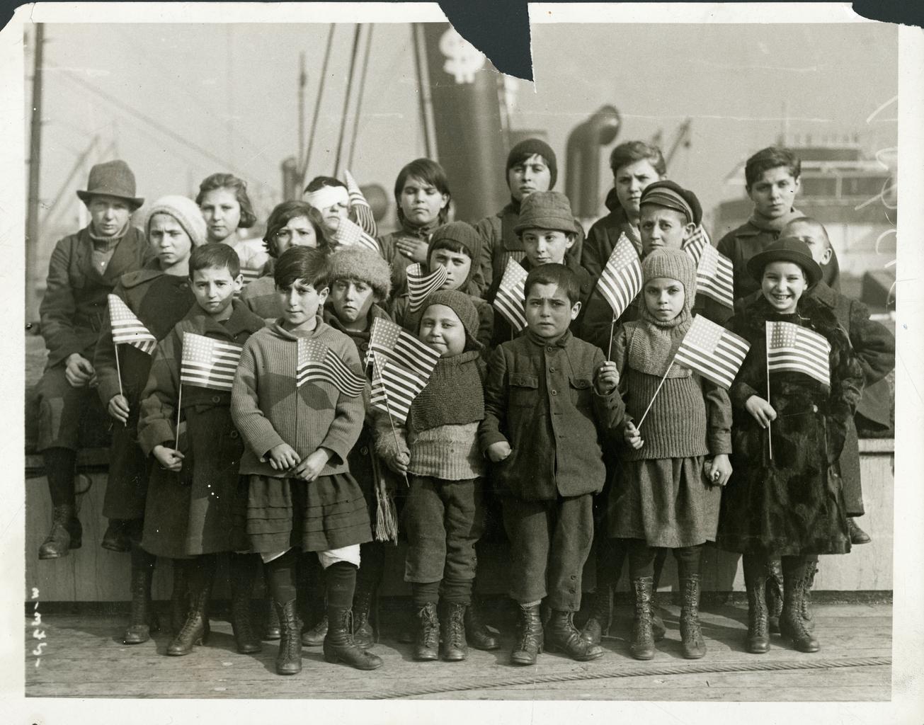 Еврейские дети — сироты войны, прибывшие в Соединенные Штаты