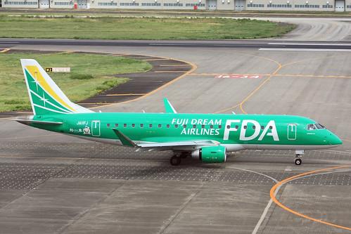 FDA ERJ-175 JA11FJ IMG_7857_2