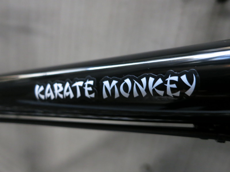 SURLY Karate Monkey BK 29er 10S Logo 2