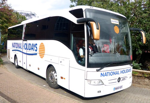 NH15 HCH 'National Holidays' No. 782 Mercedes-Benz Tourismo on Dennis Basford's railsroadsrunways.blogspot.co.uk'