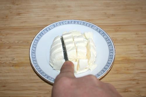 47 - Mozzarella würfeln / Dice mozzarella