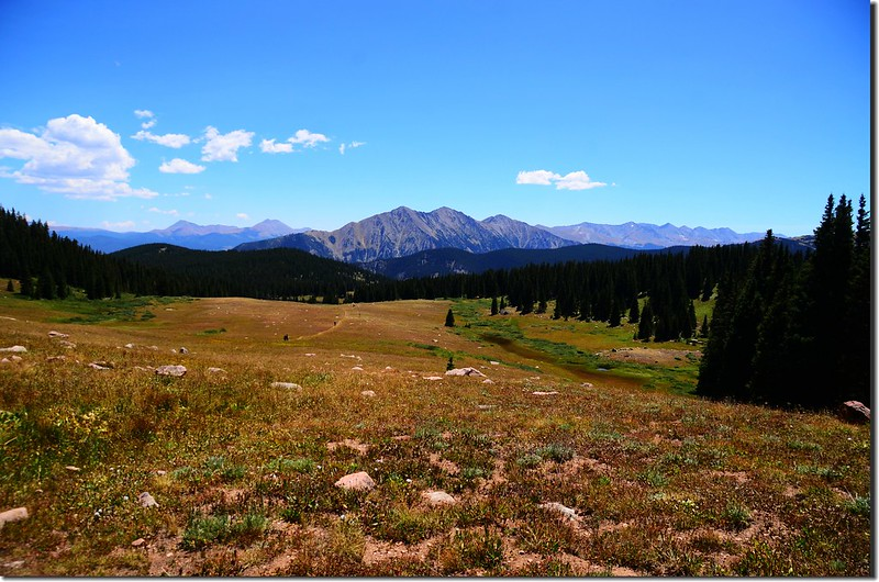 Looking south at Tenmile Range from the trail (3)