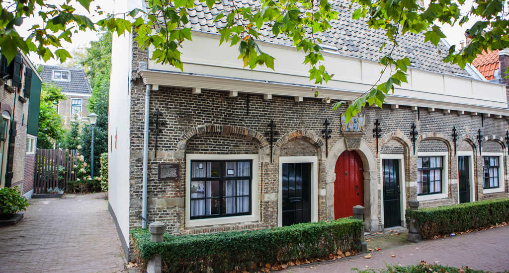 Discover Gouda The Netherlands, courtyards Gouda | Your Dutch Guide