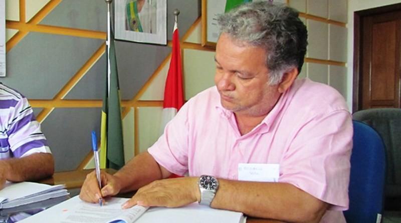 Tucano inelegível impõe filha para fechar aliança na eleição para prefeito