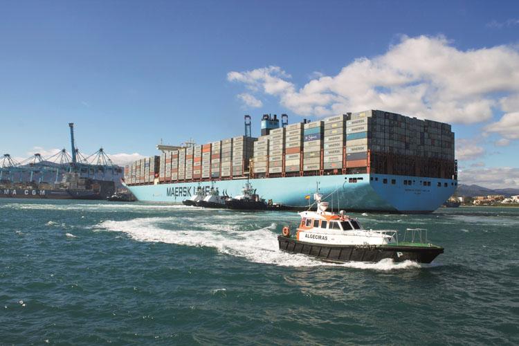Megaship Maersk Mc Kinney Möller atracando en el Puerto de Algeciras8
