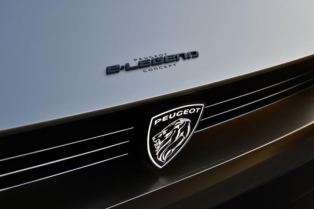 2018092015_Peugeot_E-Legend
