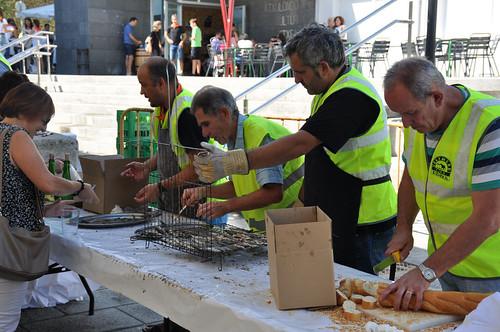Elbarrenako jaiak 2018, sardina-jatea