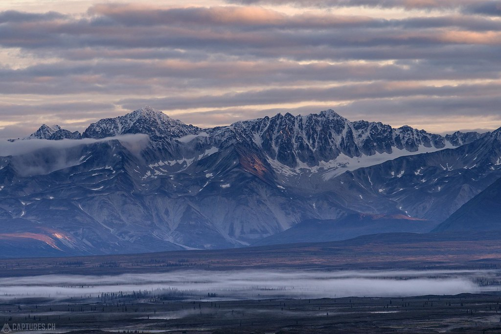 Mountains and fog in the flat - Alaska