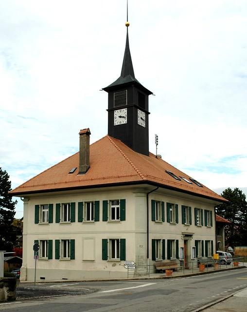 Seigneux - Salle du collège