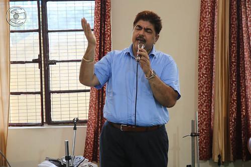 Devotional song by Varinder Bunty from Sant Nirankari Colony, Delhi