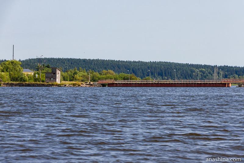 Понтонный мост на остров Риеккалансари, Сортавала, Карелия