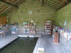 Bibliothèque du lavoir, Moussy - Photo of Lurcy-le-Bourg