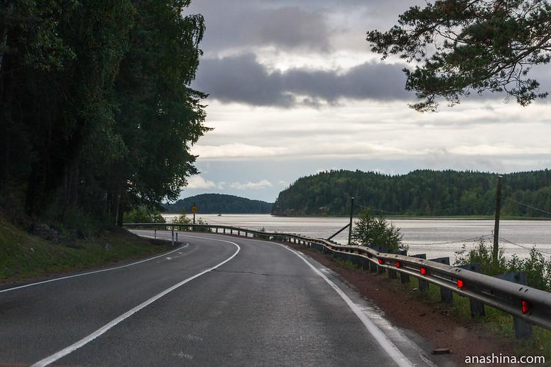 Автодорога А-121 вдоль Ладожского озера