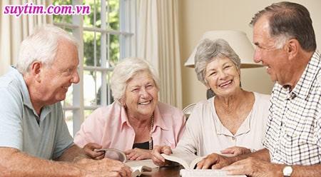 Người bệnh hẹp van tim có thể kéo dài tuổi thọ nhờ can thiệp thay van.