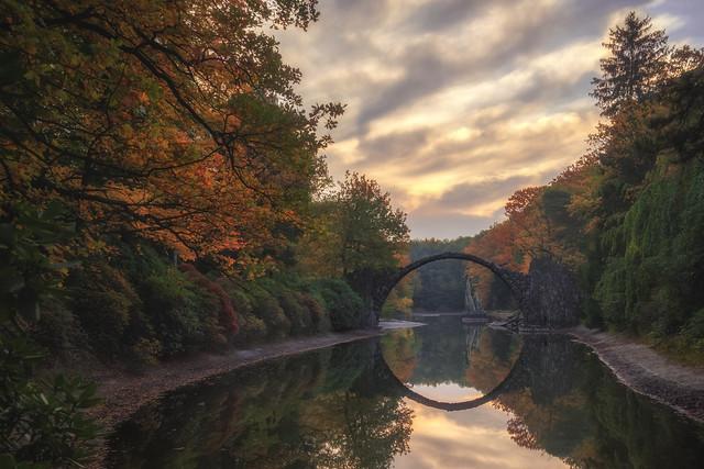 Rakotzbrücke in Kromlau / Autumn