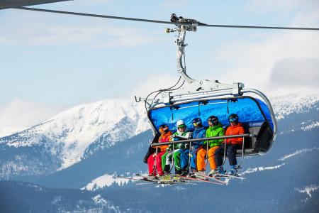 Skiareál ve Špindlu uklidí před zimou sjezdovky. Dobrovolníci dostanou skipasy
