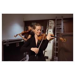 Anne, Barcelona . #xpro2 #fujixpro2 #fujifeed #fujifilm #fujilove #myfujilove #fujifilm_xseries #fujifilmusa #fujifilmnordic #fujifilmme #fujifilm_uk #fujixfam #twitter #geoffroyschied #35mmofmusic #spain #barcelona #palaudelamusica #anne #violin #violini