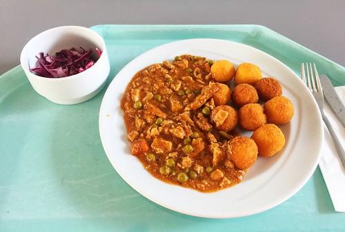Turkey chop with croquettes / Putengeschnetzeltes mit Kroketten