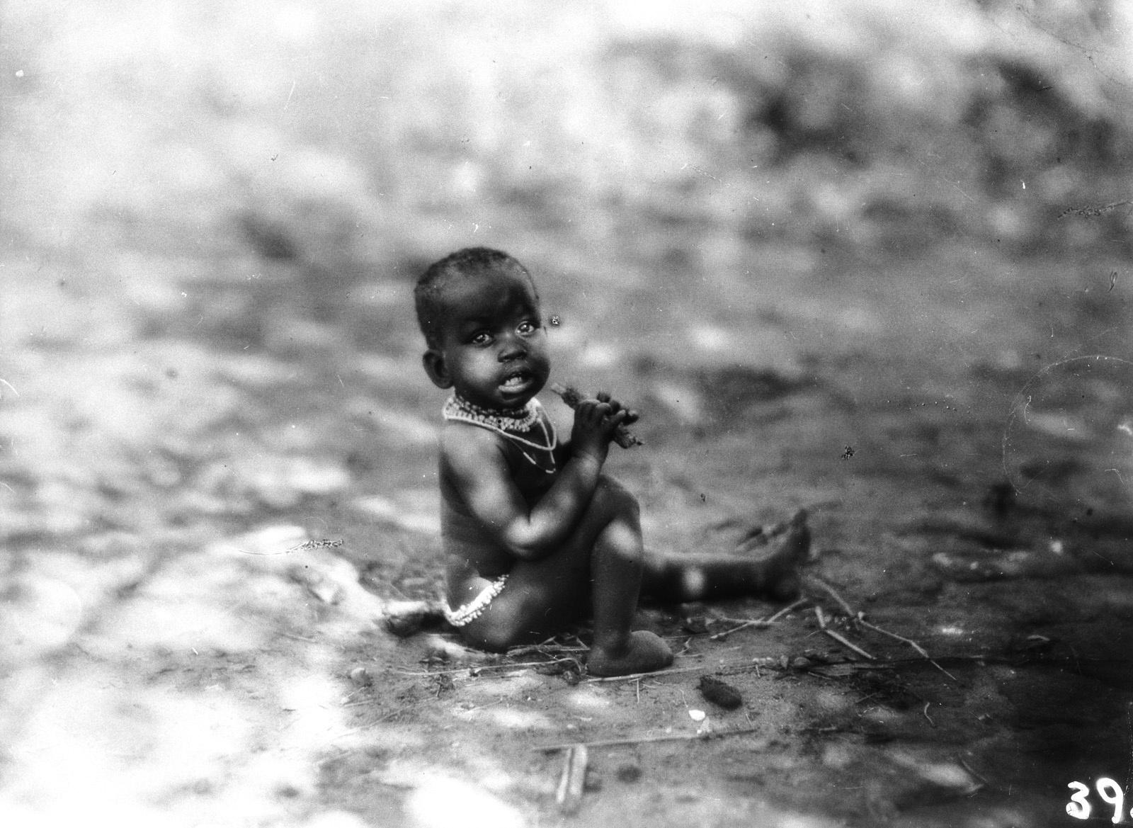 Квазулу-Наталь. Умфолози. Ребенок из народности банту
