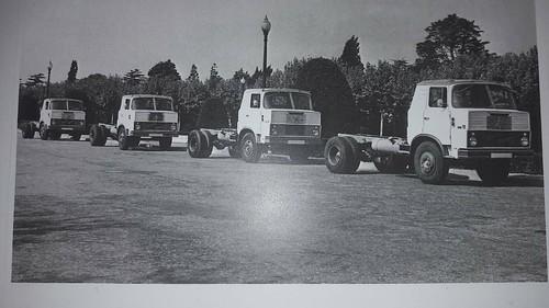 renglera camions Henschel Hispania presentació 1964l