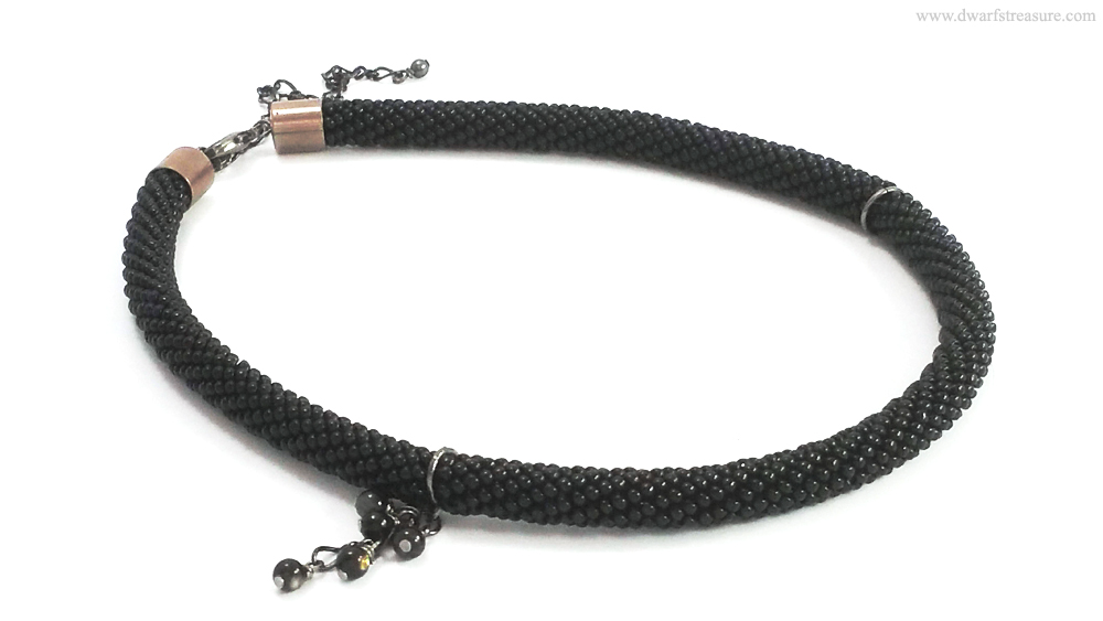 fashion custom made black beaded crochet color necklace