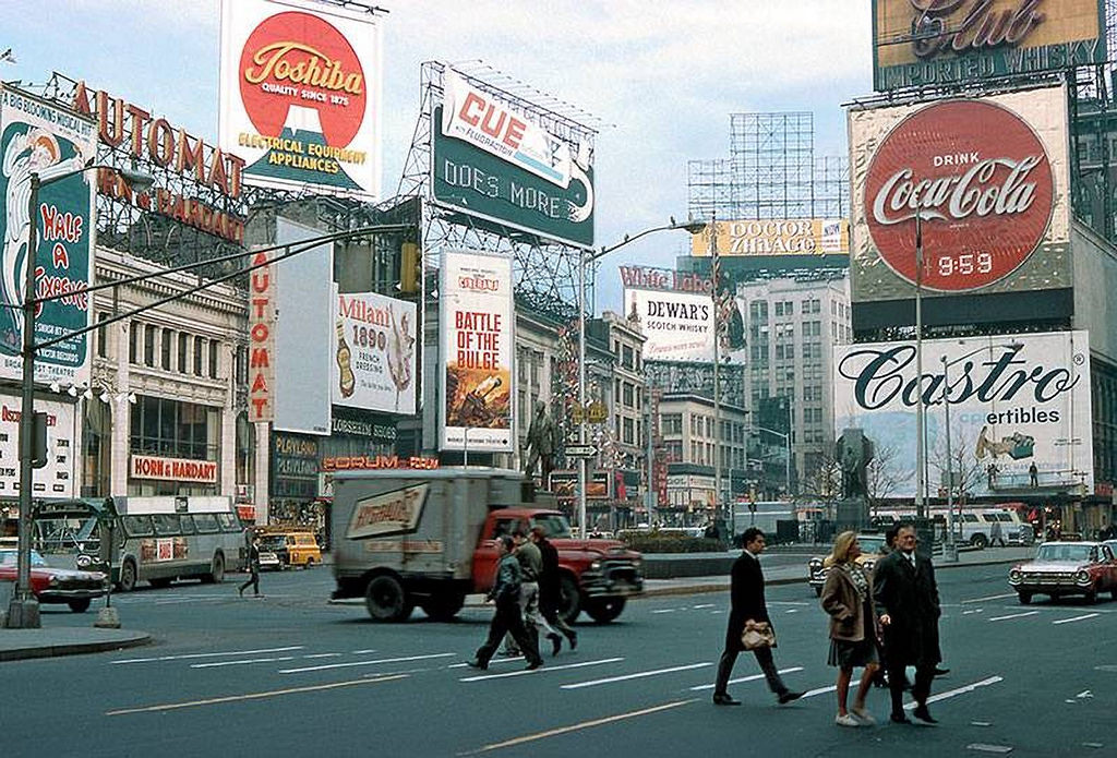 Everyday Life of New York City in the 1960s (28)