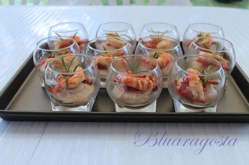 03-bicchierini di crema di cannellini con chorizo e gamberi