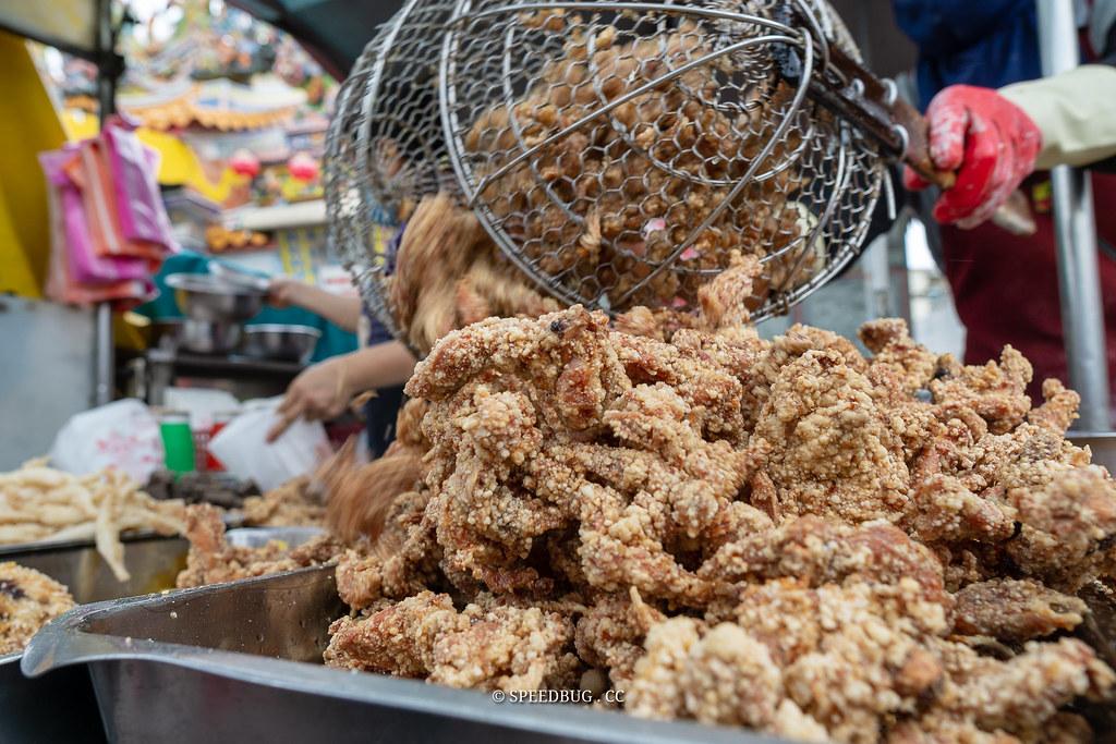 台南安南美食|中洲寮保安宮三角骨鹹酥雞.廟前總有好滋味