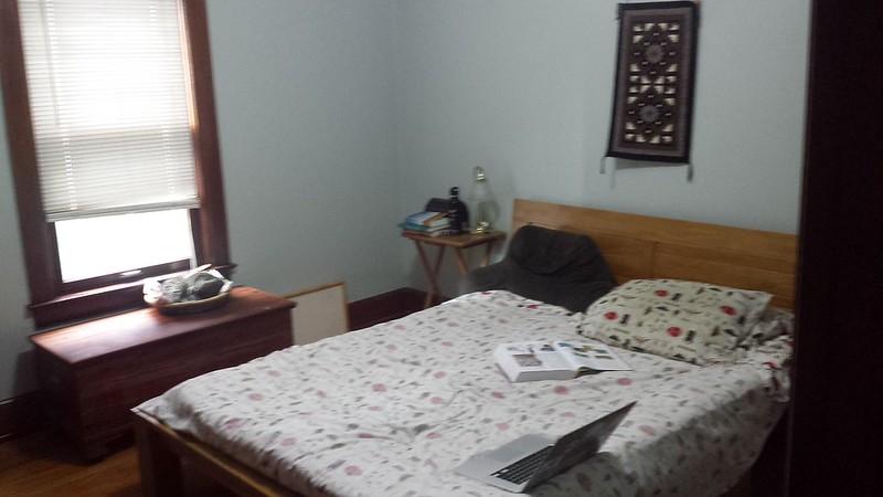 Bedroom (blurry)