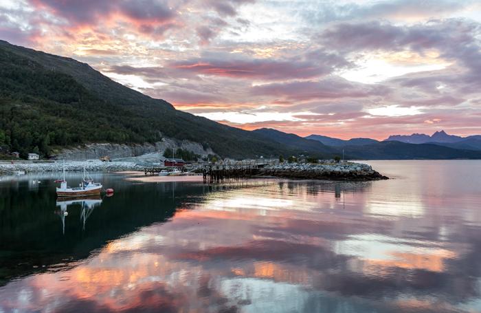 Pohjois-Norja maisema tunturi syksy Norway fjell vuono auringonlasku