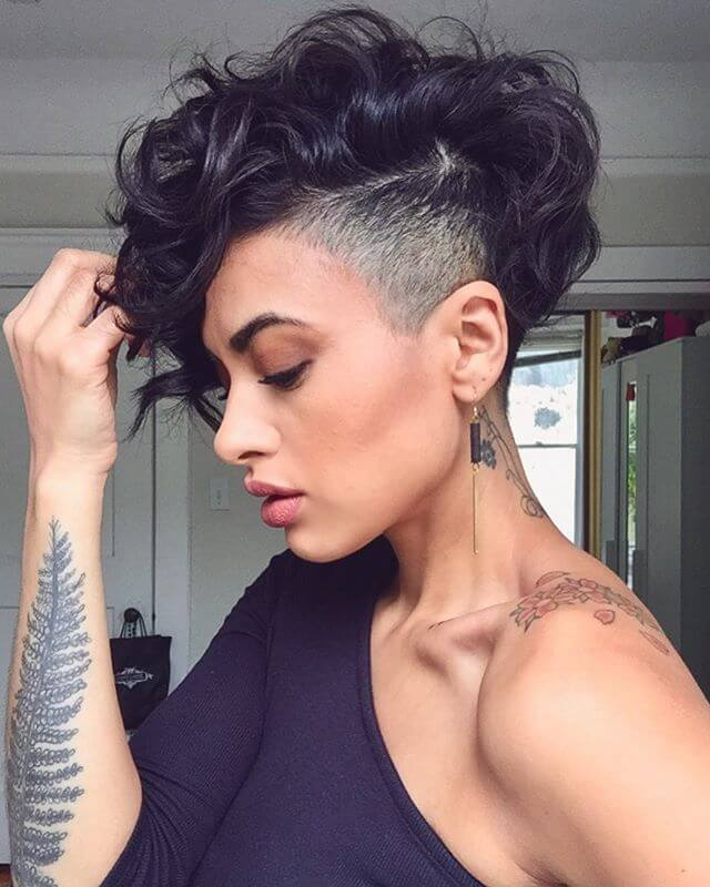 Best Bold Curly Pixie Haircut 2019- 50 Hairstyle Inspirations 4