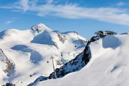 5 tyrolských ledovců: rozšířené skipasy, snídaně nad mraky i plavba ledovcovou řekou