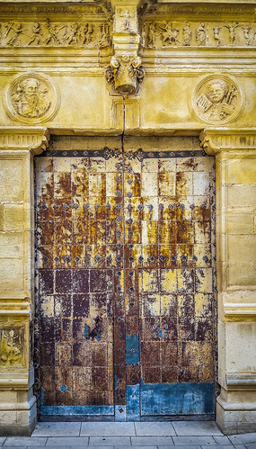 Portón en Calaceire, Teruel